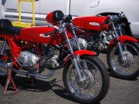 przykładowy czerwony motor