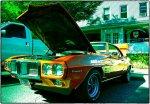 samochód w naprawie